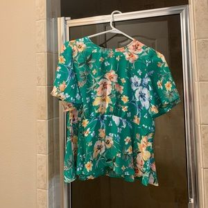Beautiful short sleeve Loft blouse size 2p